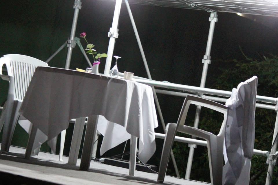 エンプティ・テーブル
