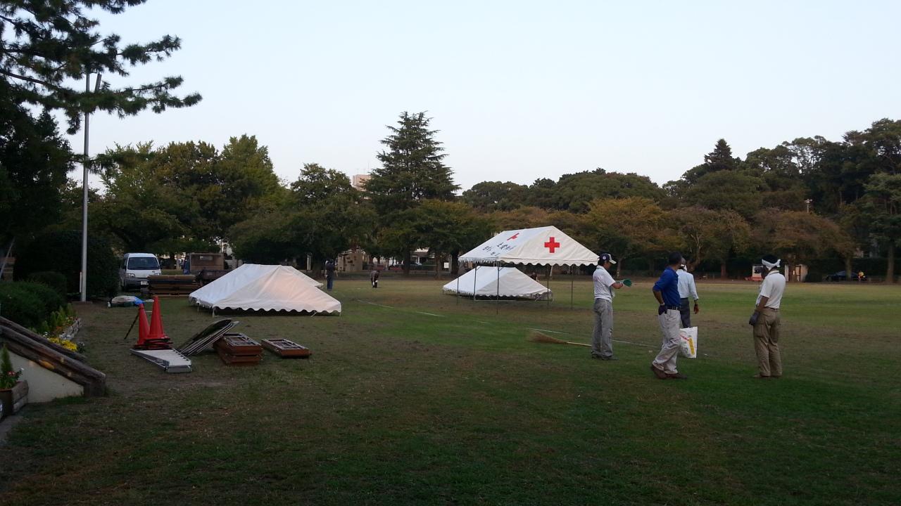 豊川稲荷様の裏手の公園